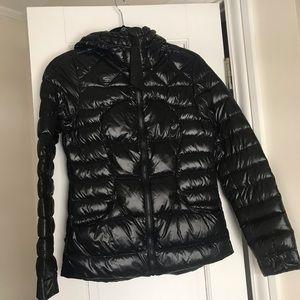 Lululemon women's fluffin awesome jacket size 4